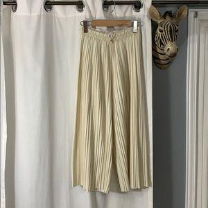 NWOT Zara Beige w/ Gold Sparkles Pleated Culottes